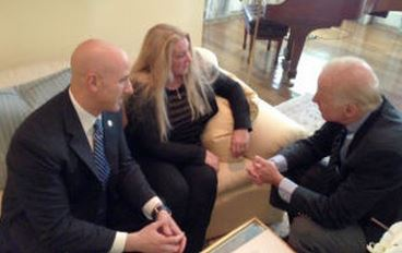 Florida State Sen. Joseph Abruzzo, left, and equine advocate Victoria McCullough discuss the horse slaughter issue with Vice President Joseph Biden in Washington, D.C. prior to President Barack Obama signing the 2014 Omnibus bill. (Photo provided by Susan Wagner, Equine Advocates)