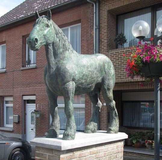 statue of Belgian Draft Horse Brillant